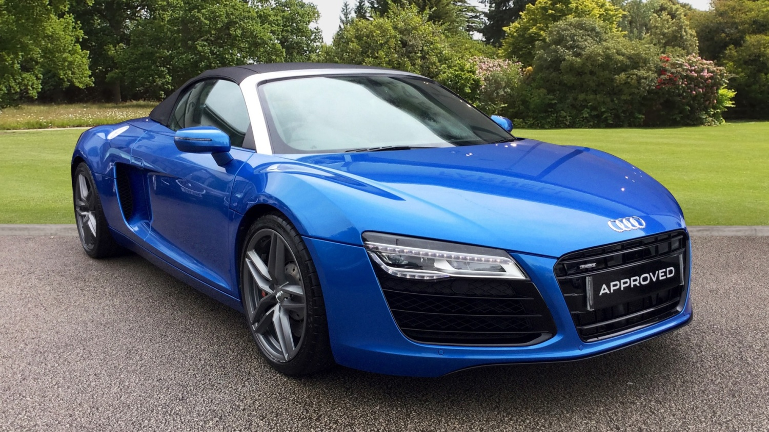 used audi r8 4 2 fsi v8 quattro 2dr s tronic petrol convertible for sale farnell jaguar. Black Bedroom Furniture Sets. Home Design Ideas