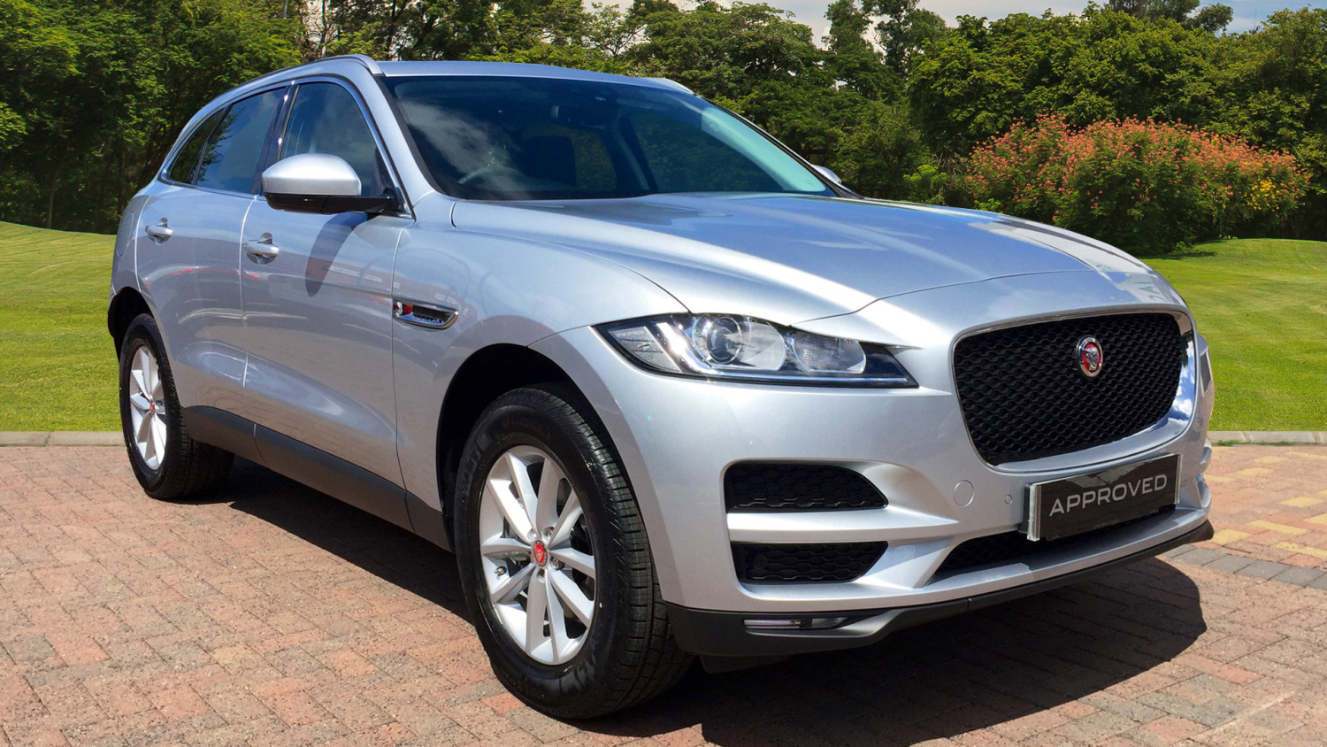 used jaguar f pace 2 0d prestige 5dr auto awd diesel estate for sale farnell jaguar. Black Bedroom Furniture Sets. Home Design Ideas