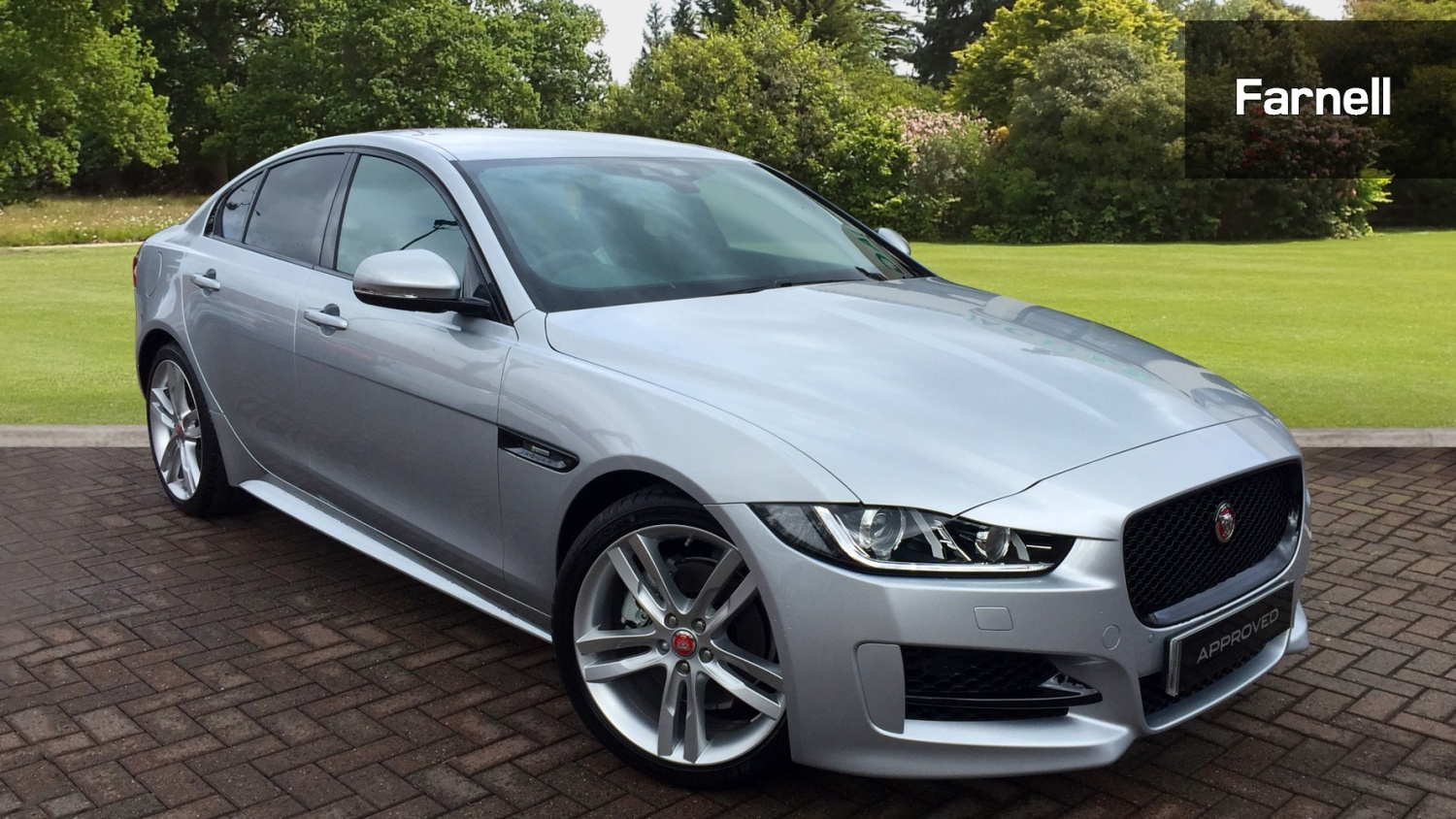 used jaguar xe 2 0d 180 r sport 4dr auto diesel saloon. Black Bedroom Furniture Sets. Home Design Ideas