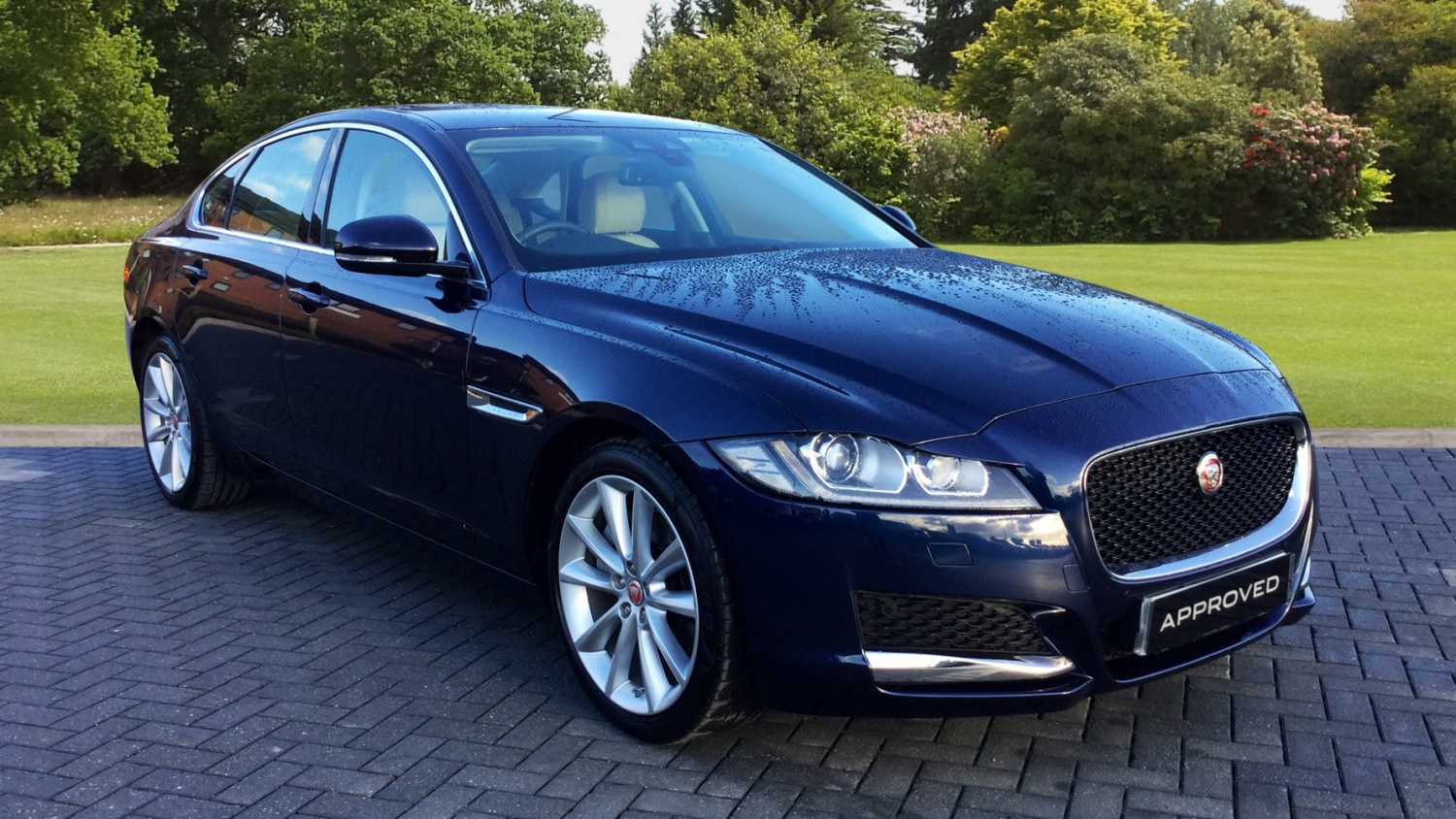 used jaguar xf 2 0d 180 portfolio 4dr auto diesel saloon for sale farnell jaguar. Black Bedroom Furniture Sets. Home Design Ideas