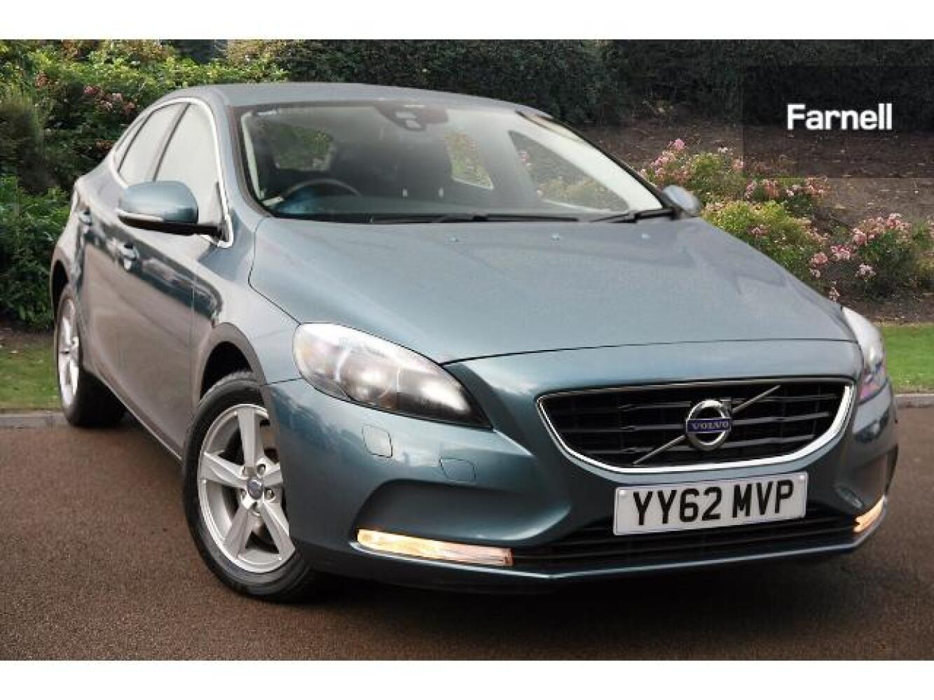 used volvo v40 d3 se nav 5dr geartronic diesel hatchback for sale farnell jaguar. Black Bedroom Furniture Sets. Home Design Ideas